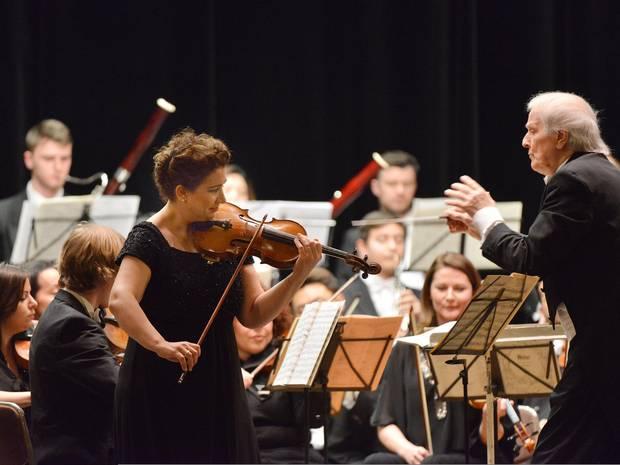Nahr Wiener KlassikProf.Heribert Beissel und Ervis Gega an der Violine